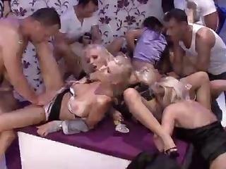 Жесткое групповое порно русское фото 518-849